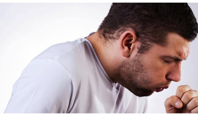 Người bị ung thư thanh quản thường ho kéo dài, co thắt từng cơn
