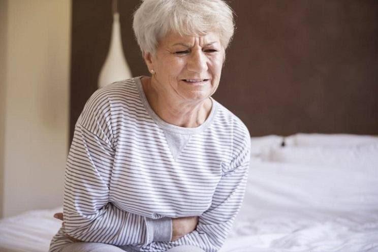 Người bị ung thư túi mật thường xuyên đau bụng
