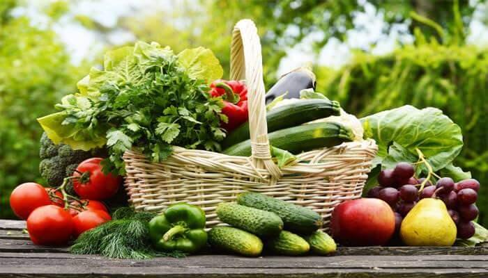 Người ung thư phổi nên ăn nhiều rau xanh, trái cây